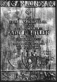 Hitler wird Ehrenbürger der Stadt Bischofsheim (in Holz geschnitzte Urkunde)